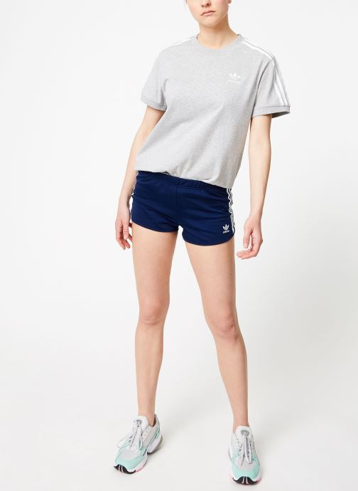 Vêtements adidas originals 3 Stripes Short Bleu vue bas / vue portée sac