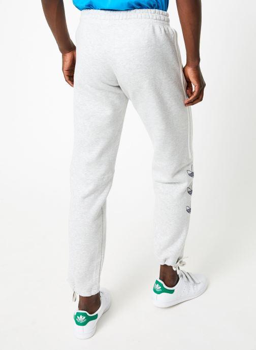 Vêtements adidas originals Ft Sweatpant Blanc vue portées chaussures