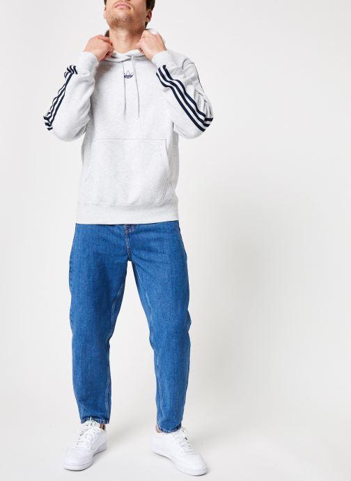 Vêtements adidas originals Ft Bball Hoody Blanc vue bas / vue portée sac