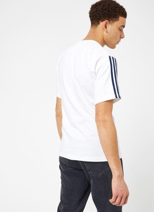 Kläder Adidas Originals Floating Tee Vit bild av skorna på