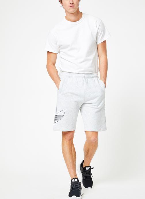Vêtements adidas originals Ft Otln Short Blanc vue bas / vue portée sac