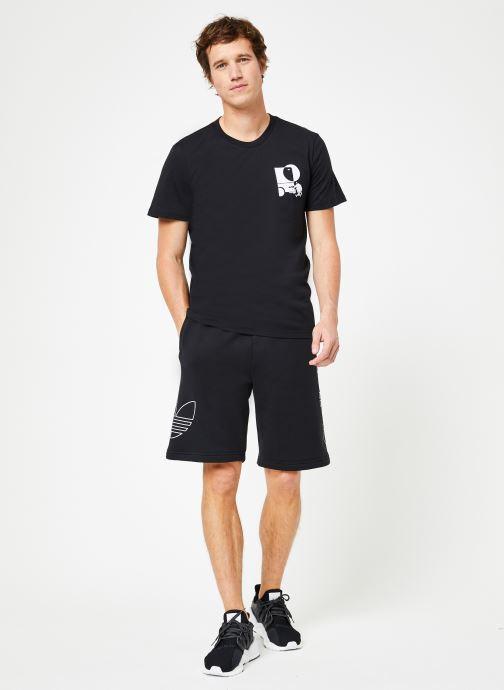 Vêtements adidas originals Ft Otln Short Noir vue bas / vue portée sac
