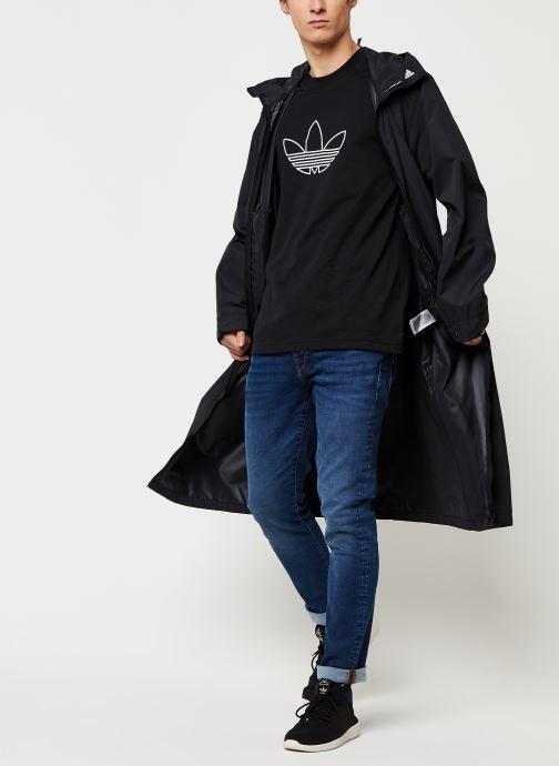 Vêtements adidas originals Outline Tee Noir vue bas / vue portée sac