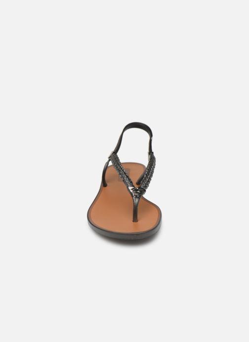 Sandales et nu-pieds Grendha Acai Tropicalia Sandal Noir vue portées chaussures
