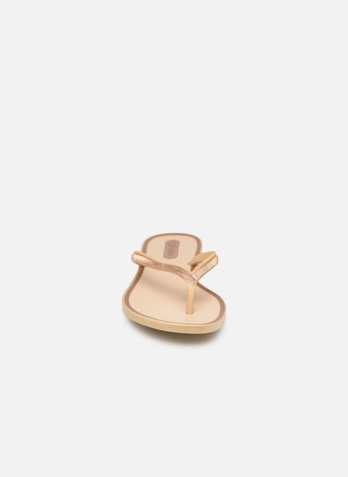 Tongs Grendha Sol Thong Beige vue portées chaussures