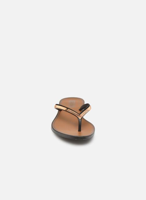 Zehensandalen Grendha Sol Thong schwarz schuhe getragen