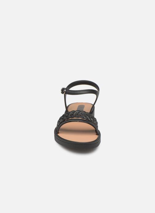 Sandalen Grendha Euforia Sandal schwarz schuhe getragen