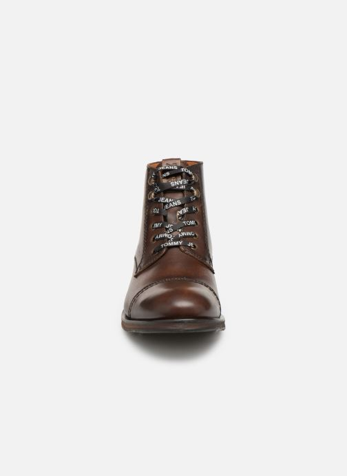Bottines et boots Tommy Hilfiger Dressy Leather Lace Up Boot Marron vue portées chaussures