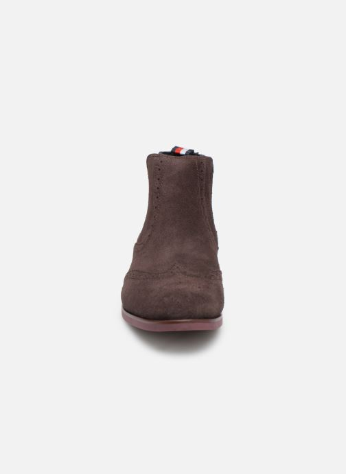Boots en enkellaarsjes Tommy Hilfiger Dressy Casual Suede Chelsea Bruin model