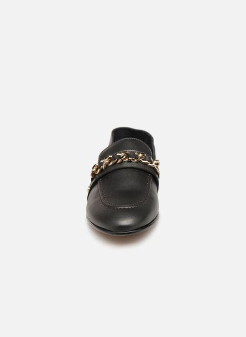 Mocassins Tommy Hilfiger Chain Detail Loafer Noir vue portées chaussures