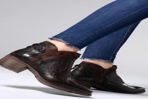 Bottines et boots Khrio Polacco 2402 Marron vue bas / vue portée sac
