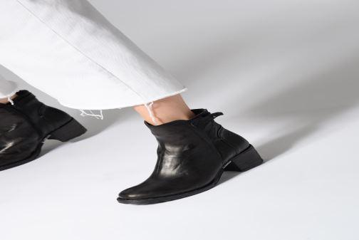 Bottines et boots Khrio Tronchetto 2706 Noir vue bas / vue portée sac