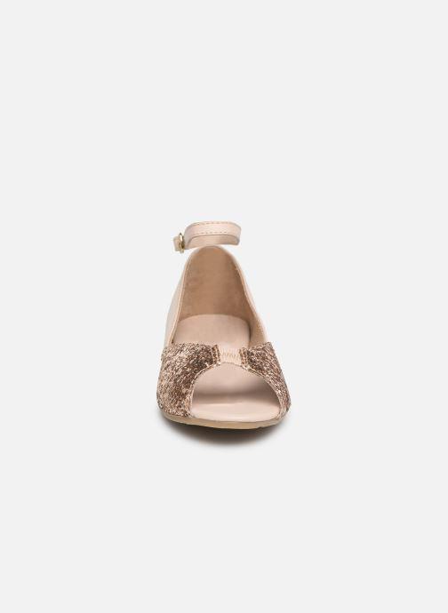 Sandales et nu-pieds CARREMENT BEAU SANDALES BRILLANT Y19033 Rose vue portées chaussures