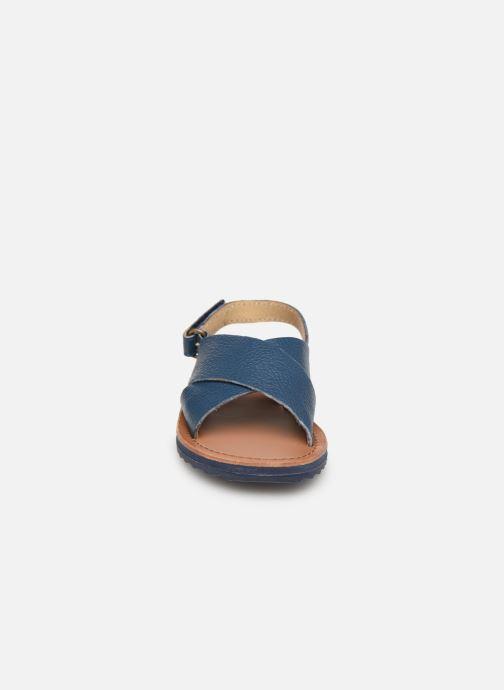 Sandales et nu-pieds CARREMENT BEAU SANDALES Y99040 Bleu vue portées chaussures