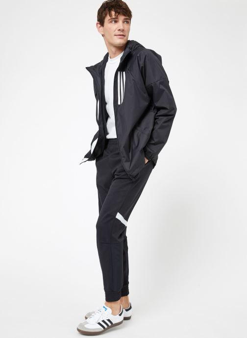Vêtements adidas performance M WND JKT FL Noir vue bas / vue portée sac