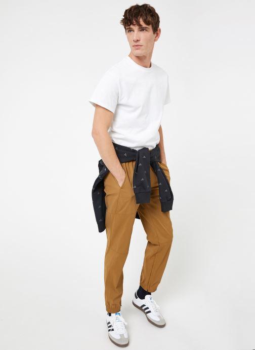 Vêtements adidas performance The Pack Pant Marron vue bas / vue portée sac
