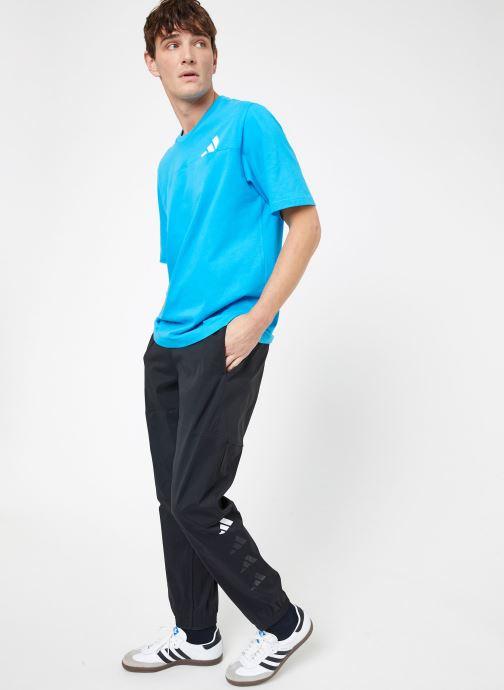 Vêtements adidas performance The Pack Pant Noir vue bas / vue portée sac