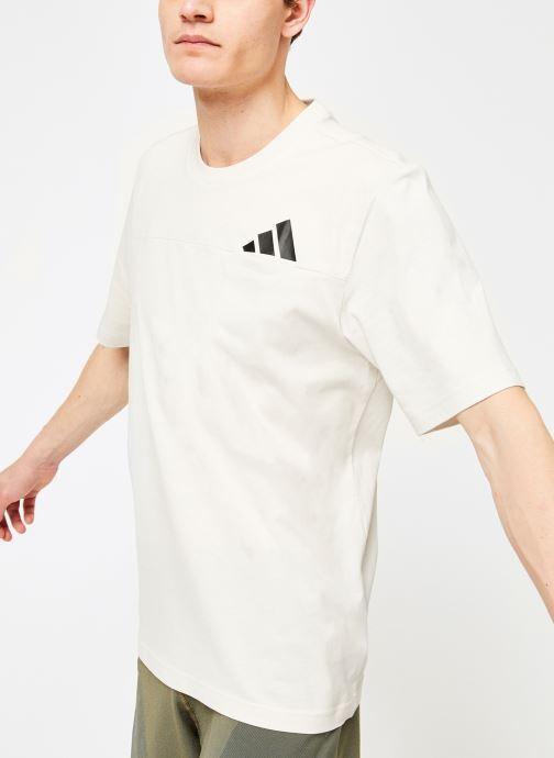 Vêtements adidas performance The Pack Tee Blanc vue détail/paire