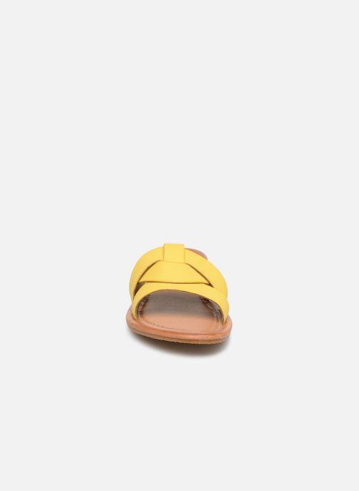 Mules et sabots I Love Shoes THUTTI Jaune vue portées chaussures
