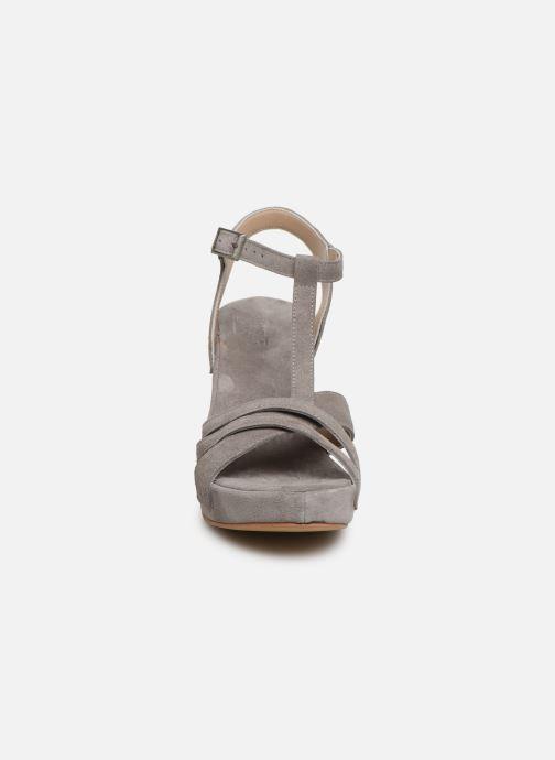 Sandales et nu-pieds Khrio 11032 Gris vue portées chaussures