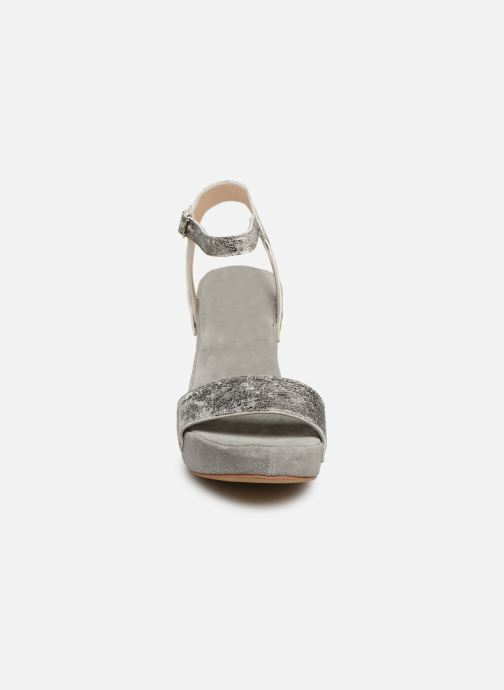 Sandali e scarpe aperte Khrio 11033 Grigio modello indossato