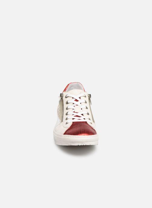 Baskets Khrio 11039 Rouge vue portées chaussures
