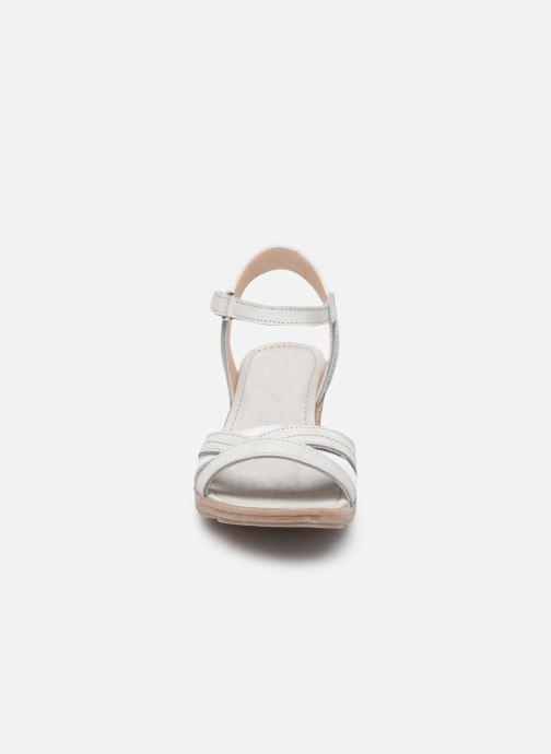 Sandales et nu-pieds Khrio 11066 Blanc vue portées chaussures