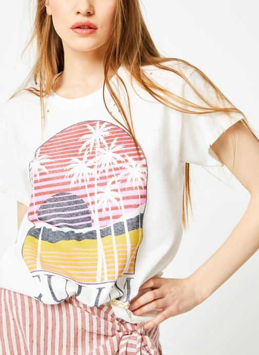 Vêtements Billabong Sincerely Jules x Billabong - Perfect boy t-shirt Blanc vue détail/paire