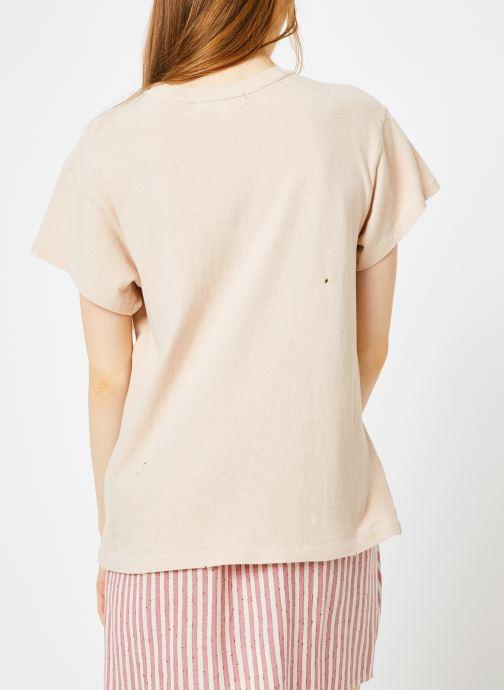 Vêtements Billabong Sincerely Jules x Billabong - Perfect boy t-shirt Rose vue portées chaussures