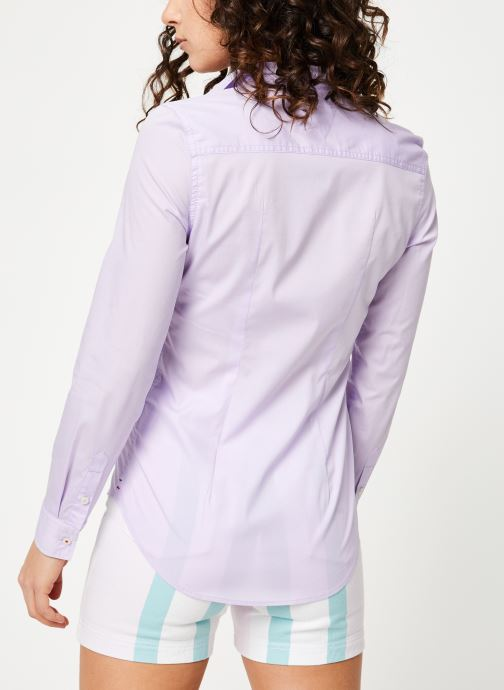 Vêtements Tommy Jeans TJW SLIM FIT POPLIN SHIRT Violet vue portées chaussures