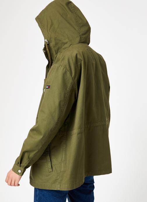 Vêtements Tommy Jeans TJW ESSENTIAL COTTON JACKET Vert vue portées chaussures