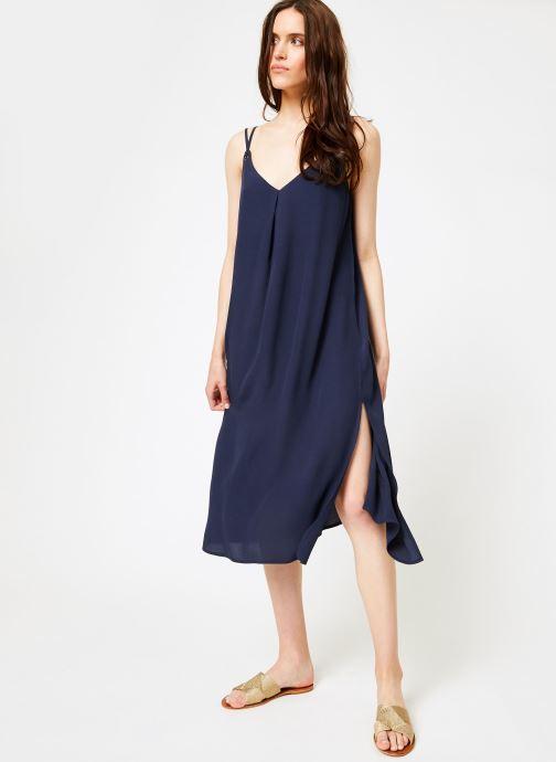 Vêtements Tommy Jeans TJW MIDI STRAP DRESS Bleu vue bas / vue portée sac