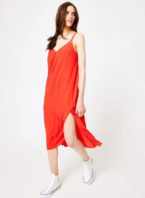 Vêtements Tommy Jeans TJW MIDI STRAP DRESS Rouge vue bas / vue portée sac