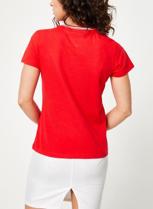 Vêtements Tommy Jeans TJW RIB STRIPE NECK TEE Rouge vue portées chaussures