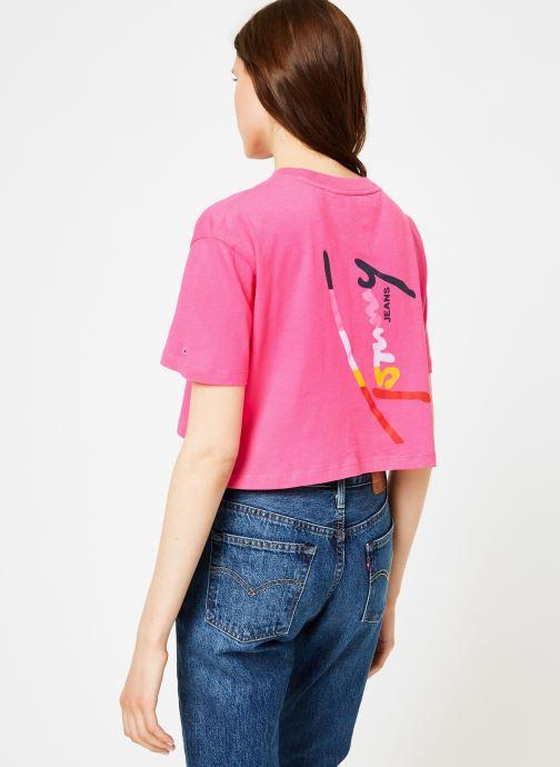 Vêtements Tommy Jeans TJW COPPED TOMMY SCRIPT TEE Rose vue portées chaussures