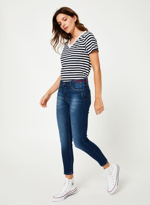 Vêtements Tommy Jeans TJW TOMMY CLASSICS V-NECK TEE Bleu vue bas / vue portée sac