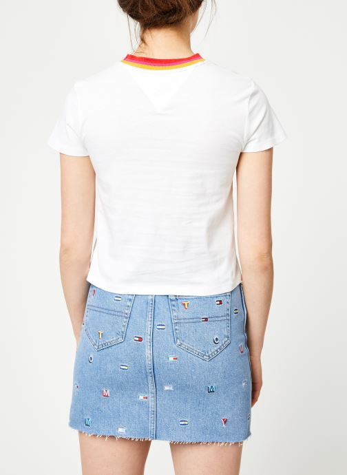 Vêtements Tommy Jeans TJW SOLID BABY TEE Blanc vue portées chaussures