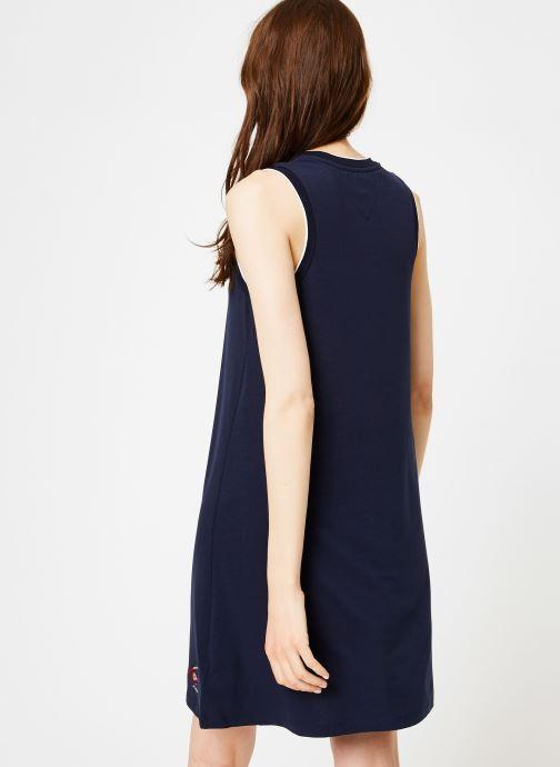 Vêtements Tommy Jeans TJW A-LINE TANK DRESS Bleu vue portées chaussures
