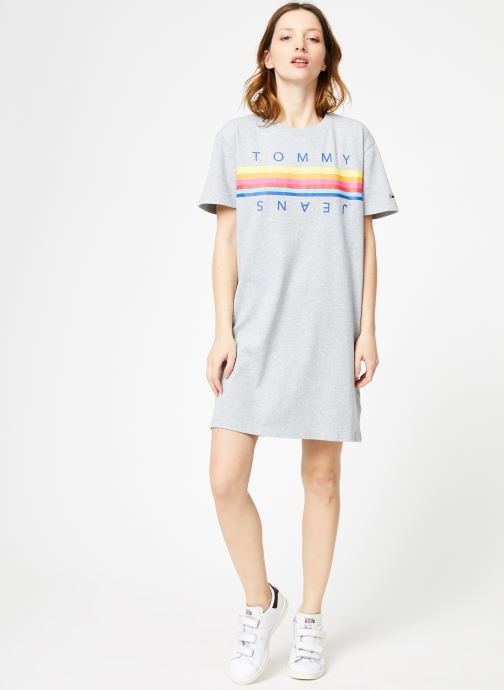 Vêtements Tommy Jeans TJW GRAPHIC TEE DRESS Gris vue bas / vue portée sac