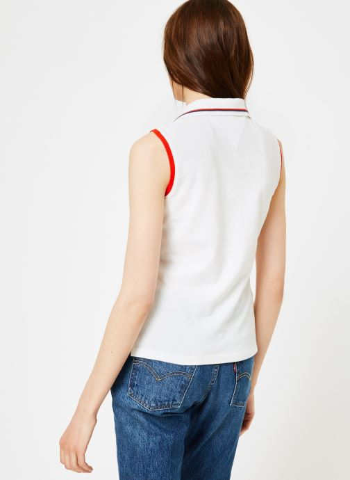 Vêtements Tommy Jeans TJW SLEEVELESS POLO Blanc vue portées chaussures