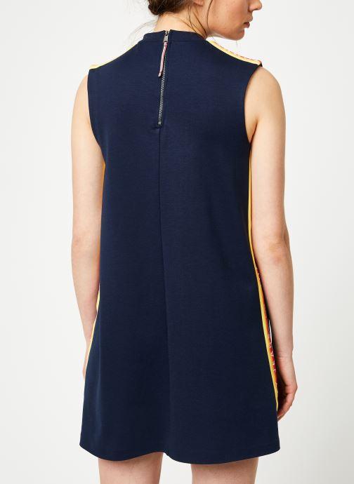 Vêtements Tommy Jeans TJW A-LINE SOLID TAPE DRESS Bleu vue portées chaussures
