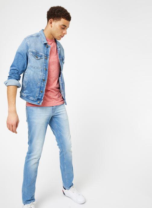 Vêtements Tommy Jeans REGULAR TRUCKER JACKET Bleu vue bas / vue portée sac
