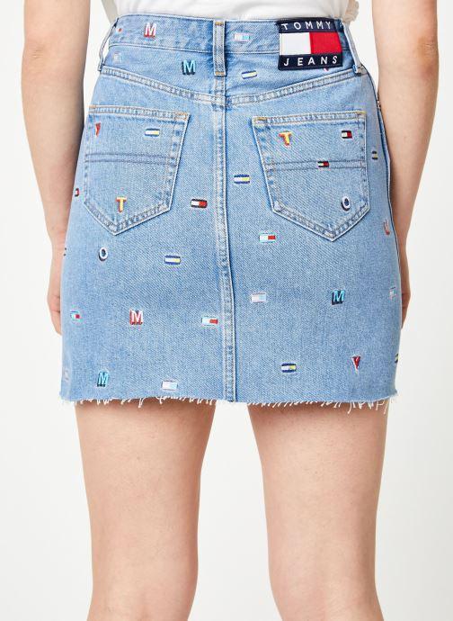 Vêtements Tommy Jeans SHORT DENIM SKIRT Bleu vue portées chaussures