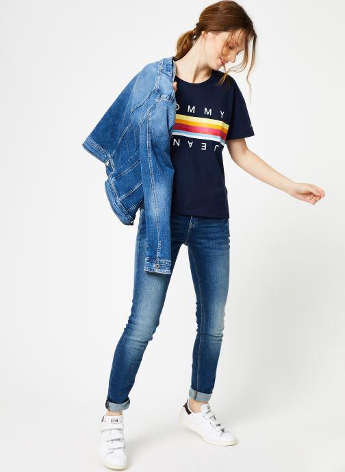 Vêtements Tommy Jeans TJW MULTICOLOR LINE LOGO TEE Bleu vue bas / vue portée sac