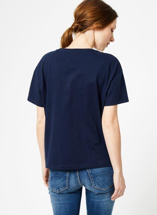 Vêtements Tommy Jeans TJW MULTICOLOR LINE LOGO TEE Bleu vue portées chaussures