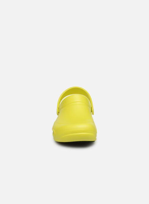 Sandalias Crocs Bistro m Amarillo vista del modelo