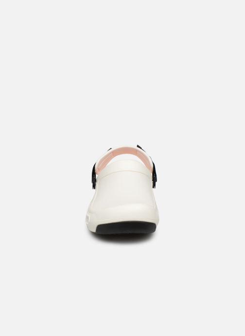 Sandales et nu-pieds Crocs Bistro Pro Clog Blanc vue portées chaussures