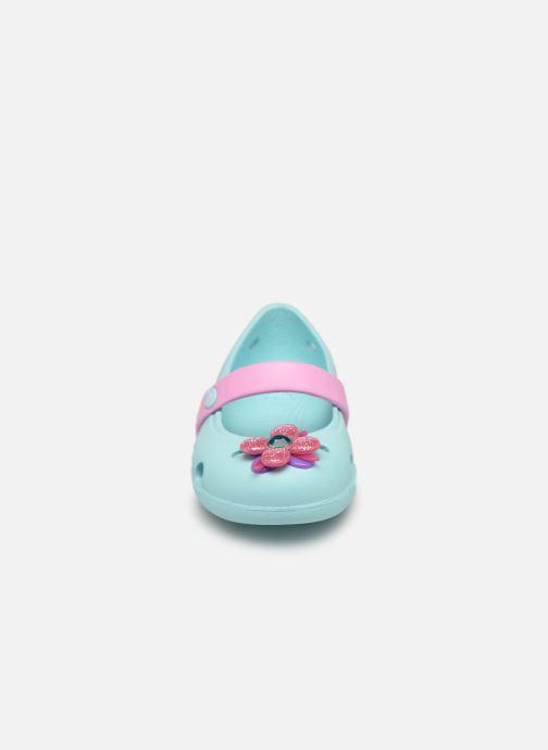 Ballerina Crocs Keeley Spingtime Flat PS Blå bild av skorna på