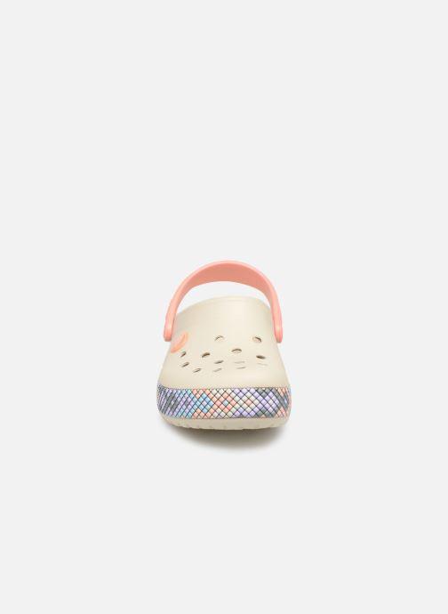 Sandales et nu-pieds Crocs Crocband Gallery Clog K Blanc vue portées chaussures