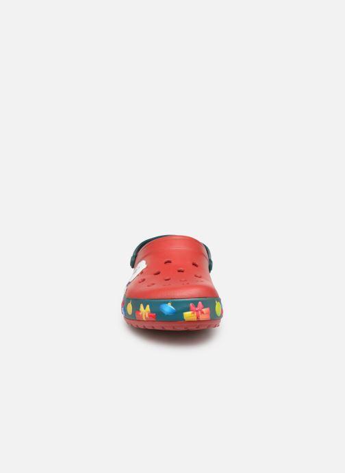 Sandales et nu-pieds Crocs Crocband Lights Holiday Clog Rouge vue portées chaussures